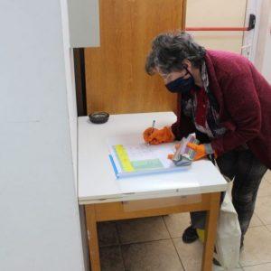Болници, местни власти и институции в област Разград получават препарат за дезинфекция