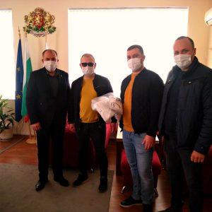 ДПС дари над 5000 маски в Кубратско