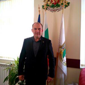 Кметът на Кубрат дари 1000 лева за МБАЛ-Кубрат
