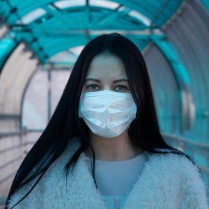 Един нов заразен с коронавирус в област Разград за последното денонощие, жена на 72 г. е починала