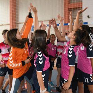 Кубрат и Велико Търново вдигнаха националният хандбален трофей за деца