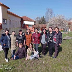 Над 200 човека се включиха в залесяването и почистването в Община Лозница
