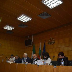 Общинските съветници приеха 22 докладни на сесията днес