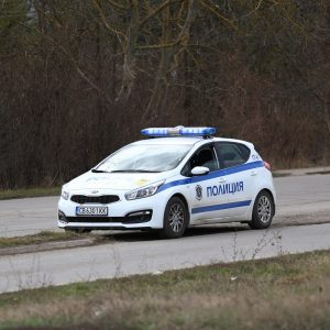 Хванаха 47-годишен с близо 2 промила зад волана в Разград